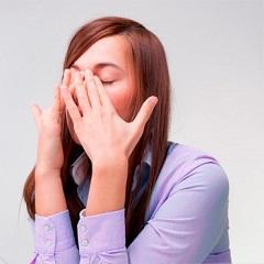 Постоянно заложен нос без насморка: что это значит